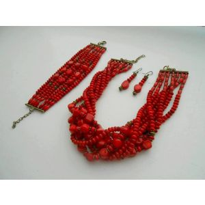 Coral short chunky necklace