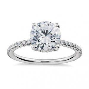 Ladies diamond ring 1 carat