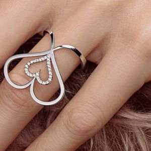Diamond heart ring white gold