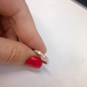 Simple gold diamond ring