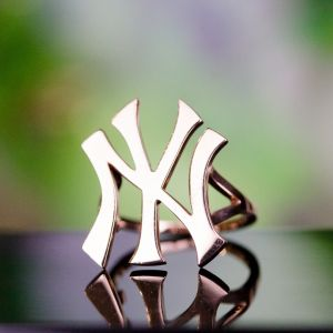 New York Yankees gold ring
