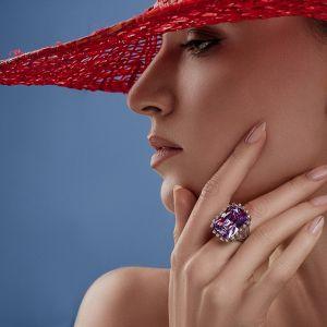Fianit and diamond ring