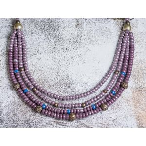 Violet loud glass necklace