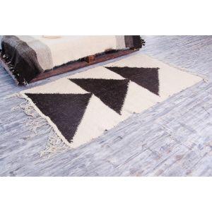 White black floor rug for kitchen