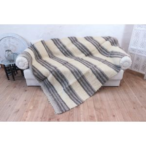 "White - gray plaid throw ""Wide stripes"""