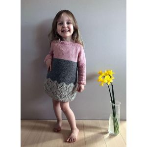 Warm knitted tunic for girl