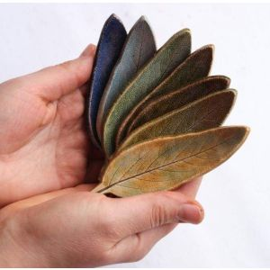 Decorative ceramic leaves