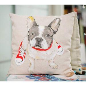Designer pillow «Bulldog in the gumshoes»