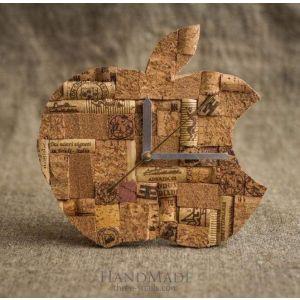 "Designer wall cork clock ""Apple"""