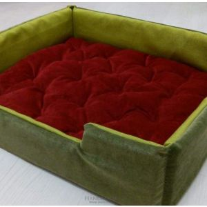 "Eco pet bed ""Green and red"""