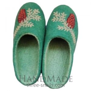 "Felt slippers ""Christmas gift"""