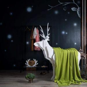 Green decorative throw blanket