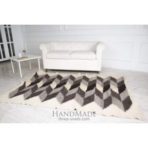 "Hand woven wool carpet ""Hypnosis"""