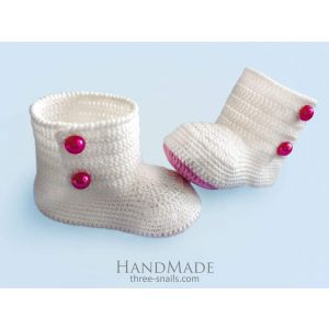 """Handmame baby bootees """"Featheriness"""""""
