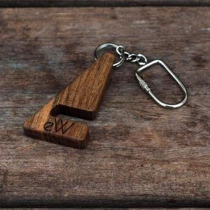 "Iphone and tablet wood stand ""Key chain"""