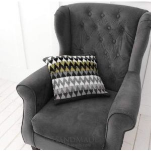 Knitted pillow cover zigzag