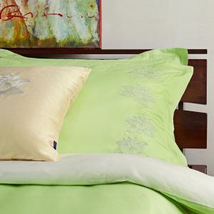 "Light green bed linen set ""Magic Lotus"""