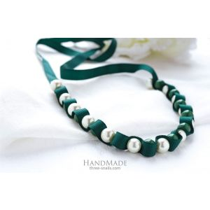 """Necklaces fashion designs. """"Lily green"""" choker-necklace"""