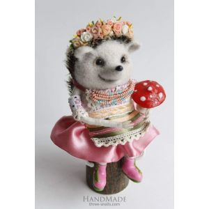 "Needle felting design toy ""Girl Hedgehog"""