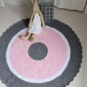 Pink pattern rug for nursery