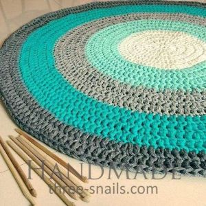 Round crochet bathroom rug