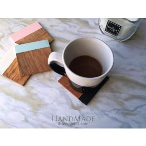 Set of 4 colored coasters