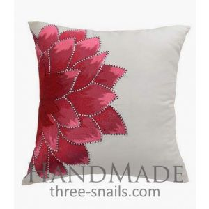 Silk pillowcase embroidered red flower