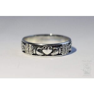 "Silver claddagh ring ""Love and devotion"""