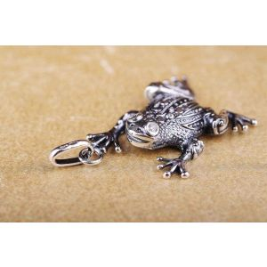 "Silver pendant ""Plump toad"""