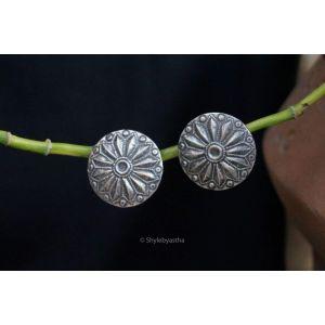 Stud disc earrings