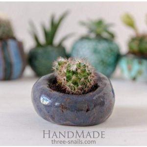 Tiny glazed planter