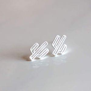 """Tiny silver studs - """"El nopal"""""""