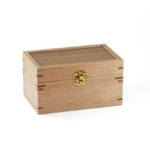 Trinket box with latch