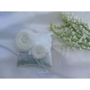 "Wedding ring pillow ""Morning dew"""
