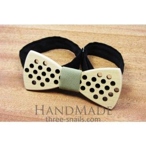 "Wooden bow tie ""Stripes"""