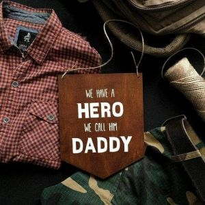 "Wooden décor ""Daddy"""