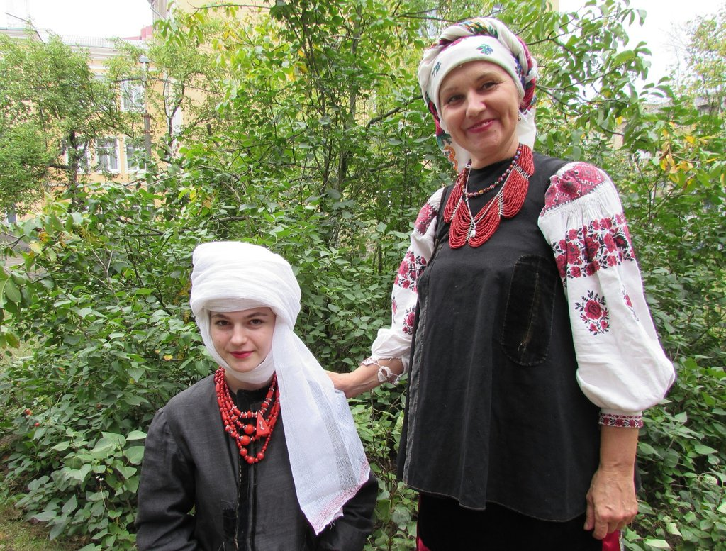 Discover traditional Ukrainian women headdress. Namitka master-class