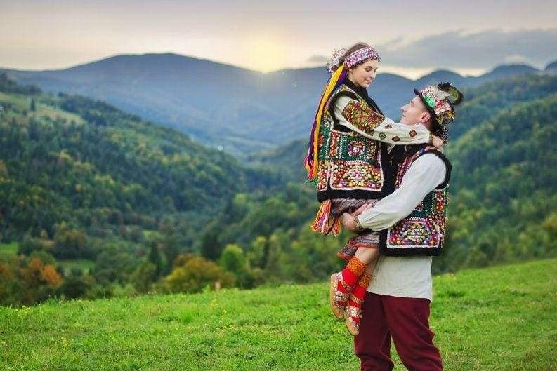Hutsul traditional wedding: cordially from the Carpathians