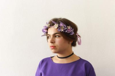 Headbands: floral compliment to any gorgeous woman