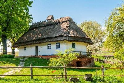 Ukrainian hut: which inheritance have the ancestors left for future generation