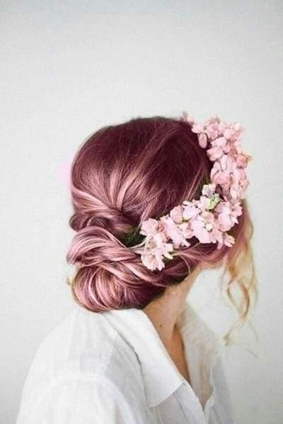 рожеве волосся