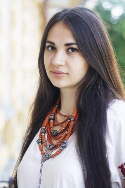 девушка в украинском стиле