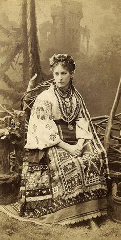 українка в національному вбранні