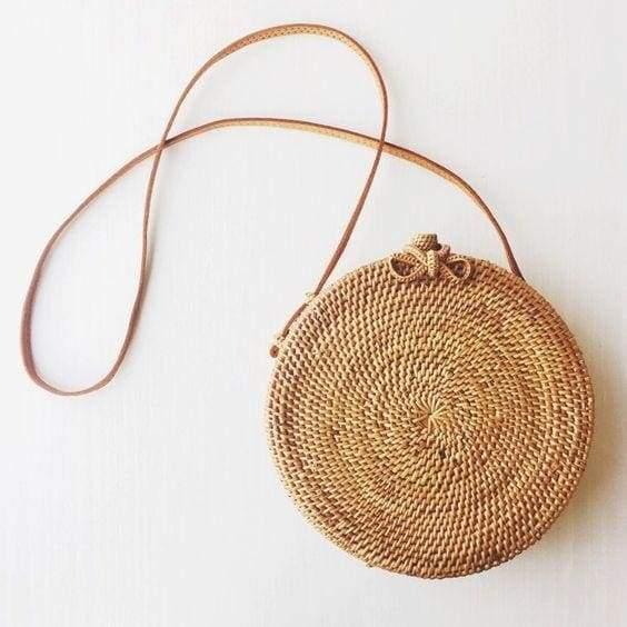 круглая соломенная сумка