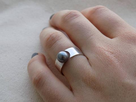 "Silver ring ""Black Pearl"""