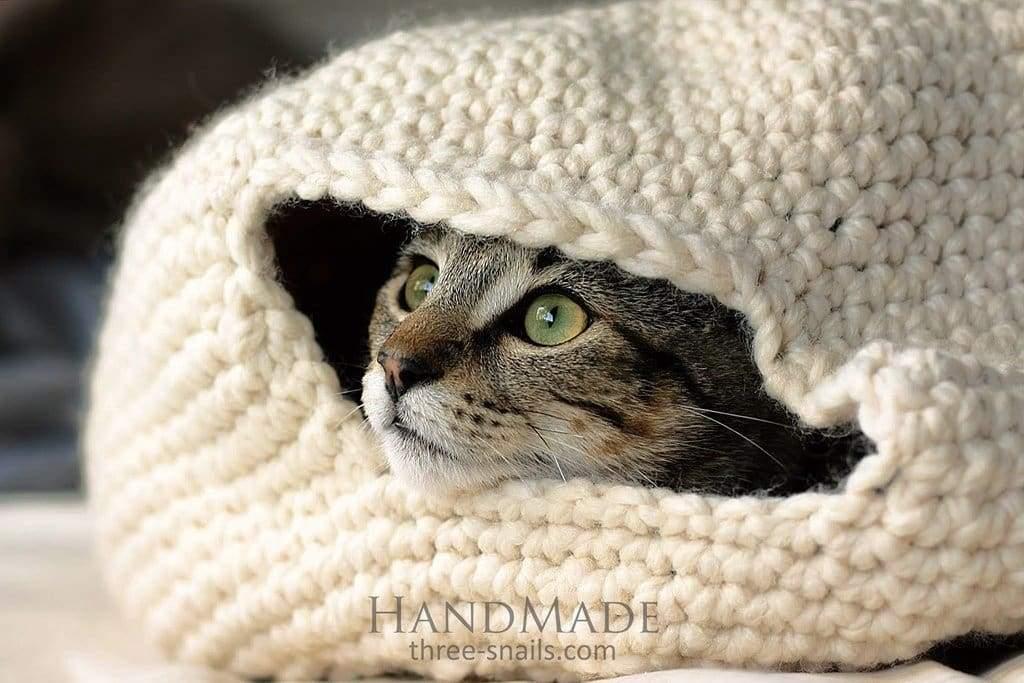Cat crochet house